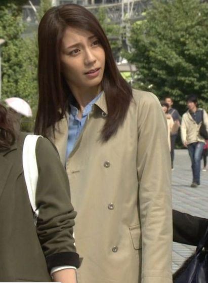 コートの松下奈緒さん